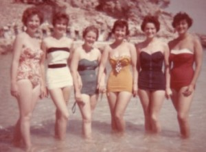 apron-style-swimsuit-of-the-1950s